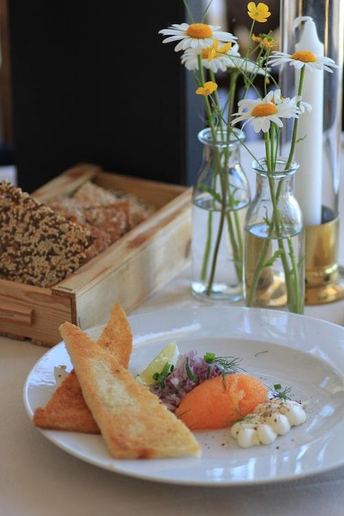 Restaurang Sjöboden serverar den åtråvärda löjrommen från Vänern.