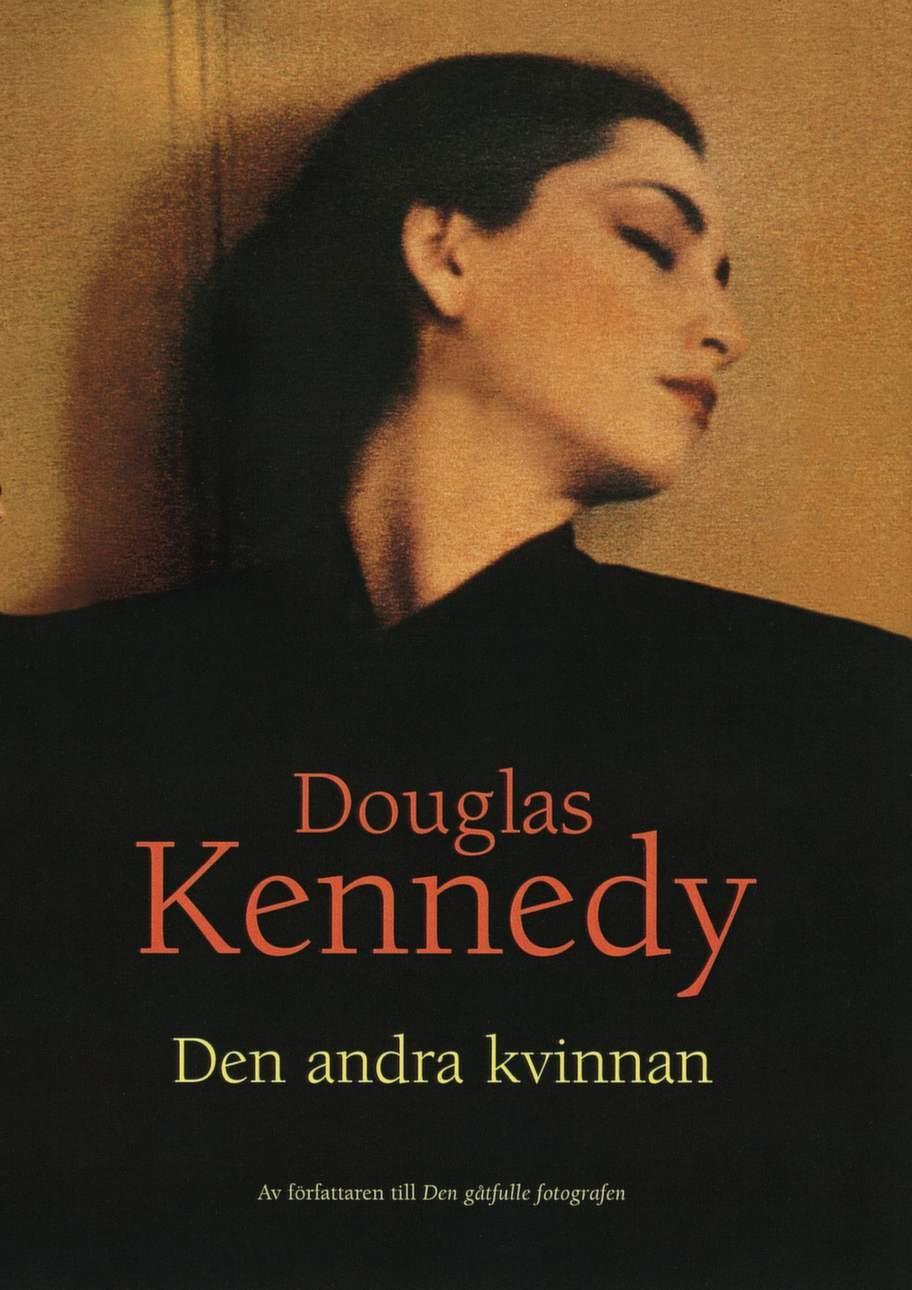 Den andra kvinnan av Douglas Kennedy, Bokförlaget Forum ABEn historia att försvinna in i och uppslukas av. Handlingen startar i efterkrigstiden, sveper över ett halvt sekel och är ett passionerat kärleksdrama som utspelar sig mot den bakgrund som är 1900-talets senare del. Läs och du glömmer allt annat en stund - en lång stund!