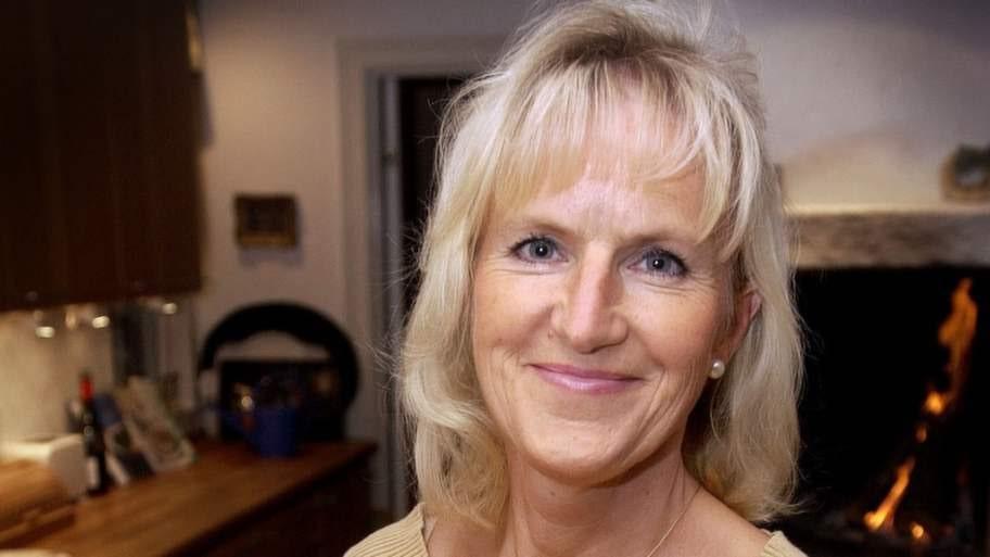 """FÖRESPRÅKAR FRUKT. Hjärtöverläkare och livsstilsprofessor Mai-Lis Hellénius vid Karolinska institutet lever som hon lär. Hon äter mycket grönt och frukt och motionerar. Ett sätt att förebygga hjärt- kärlsjukdomar och indirekt kunna förlänga sitt liv. """"Det är viktiga faktorer"""", säger hon. Foto: CHRISTIAN ÖRNBERG"""