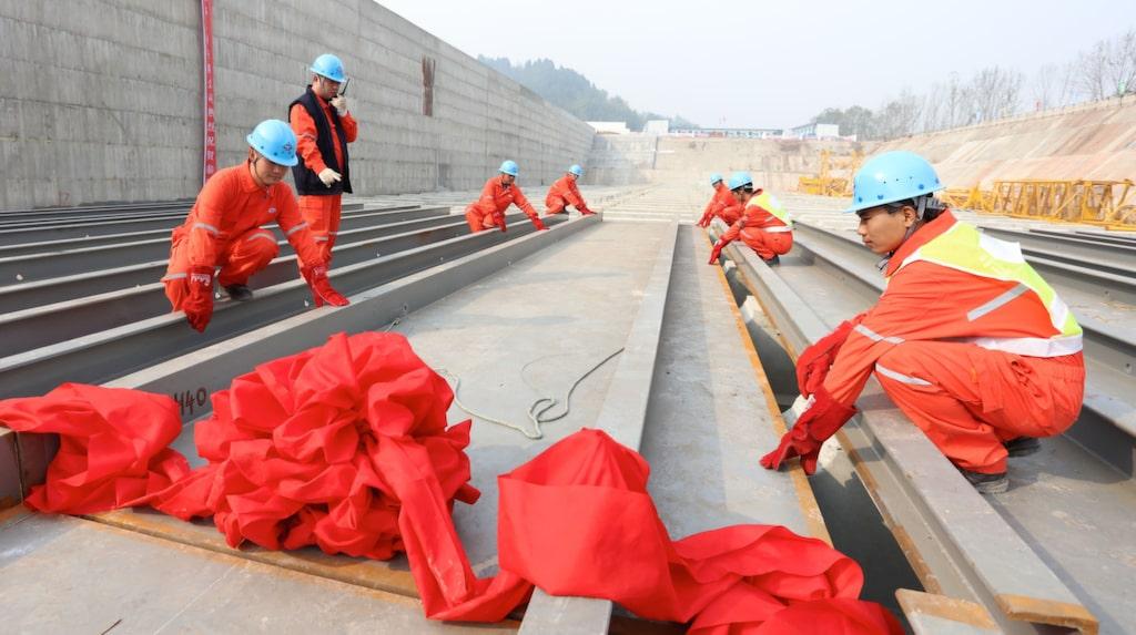 <p>Här, i kinesiska Sichuan-provinsen, påbörjades bygget av Titanic II för några veckor sedan. Bläddra vidare för bilder på hur skeppet kommer att se ut. <br></p>
