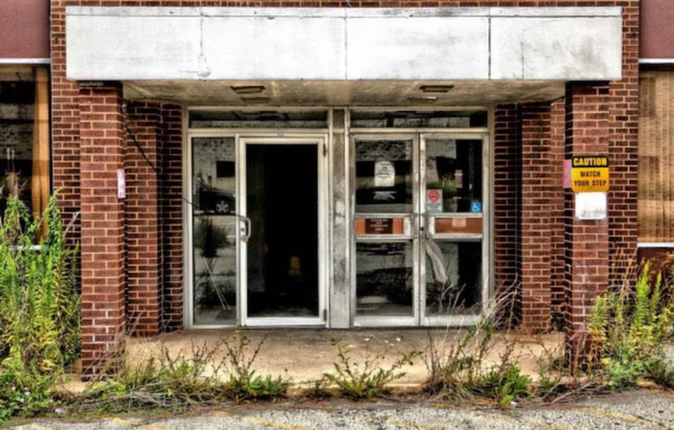 Darryl Moran trodde att han skulle fota entrén och huset från utsidan – men allt stod öppet.