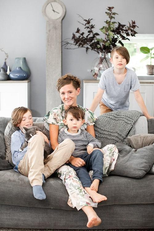 Åsa och sönerna Leo, Albin och Erik.
