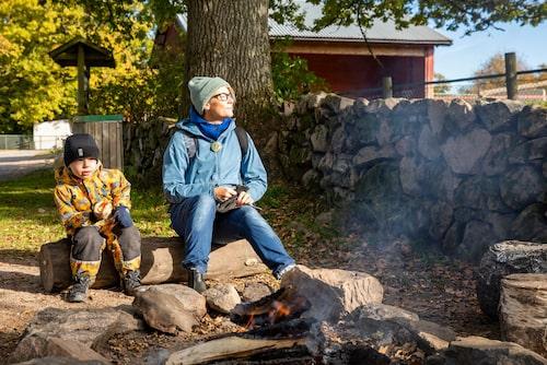Det finns många fikaplatser med grill eller lägereld.