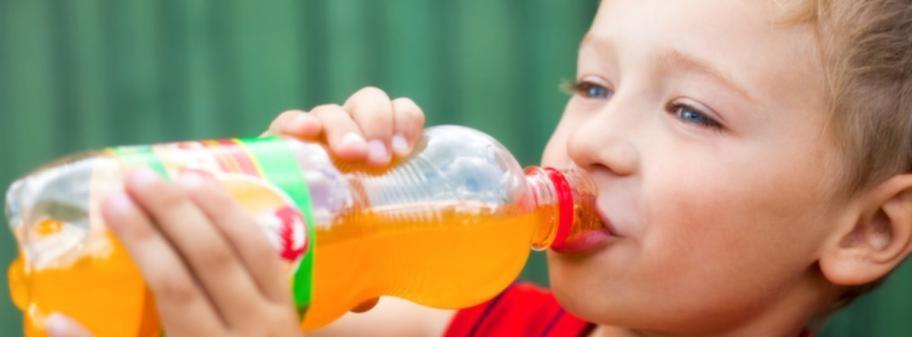 Även små mängder läsk kan påverka barns vikt. Foto: COLOURBOX