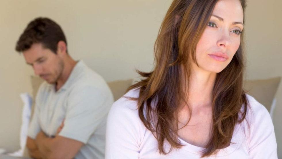 Veckans brevskrivare undrar om det är hon som är gnällig eller om det är dags för hennes man att börja betala.