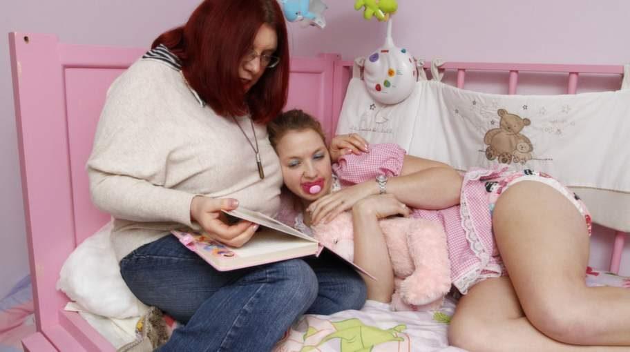 Godnattsaga med Maxine. Stamkunden Victoria vill helst vara i barnkammaren.
