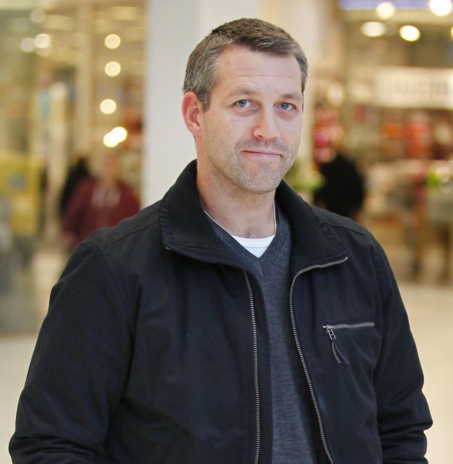 Jonas Dufåker, 37, företagare, Kumla:- Nej. Ingen anledning, jag mår bra! Räcker med att äta rätt i kostcirkeln.