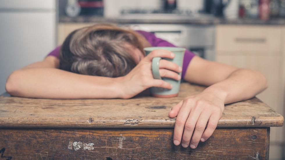 Trötthet är ett möjligt symptom vid D-vitaminbrist.