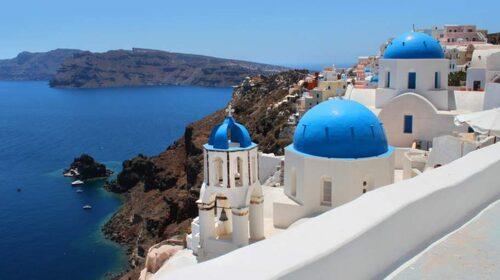 Få öar är lika vackra som denna grekiska juvel, Santorini.