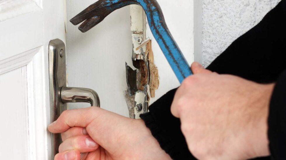 Var fjärde svensk är orolig för bostadsinbrott. Säkerhetsinformatören Micahel Peterson tipsar om hur du får ditt hem säkrare.
