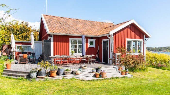 Huvudhuset är lite mindre, 62 kvadratmeter, men väldigt trevligt.