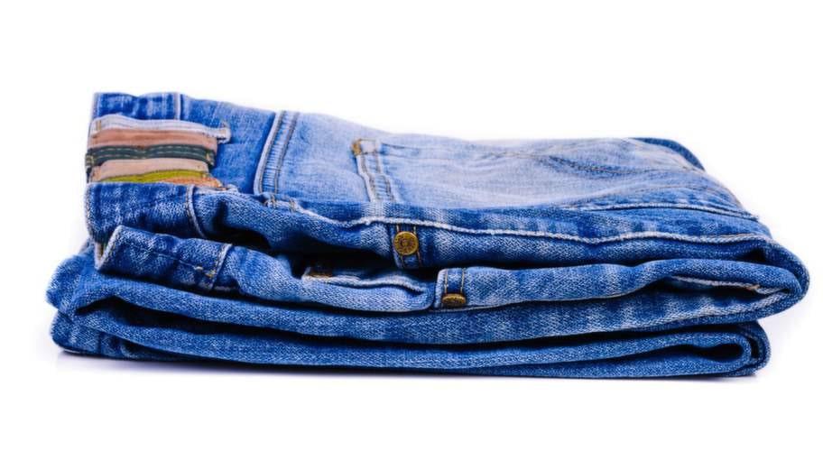Det säljs ungefär 700 000 par jeans per år.