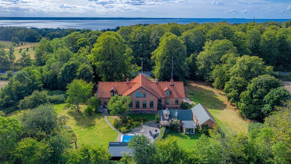 Vingården som den kallas ligger i Domsten utanför Helsingborg och byggdes 1901.