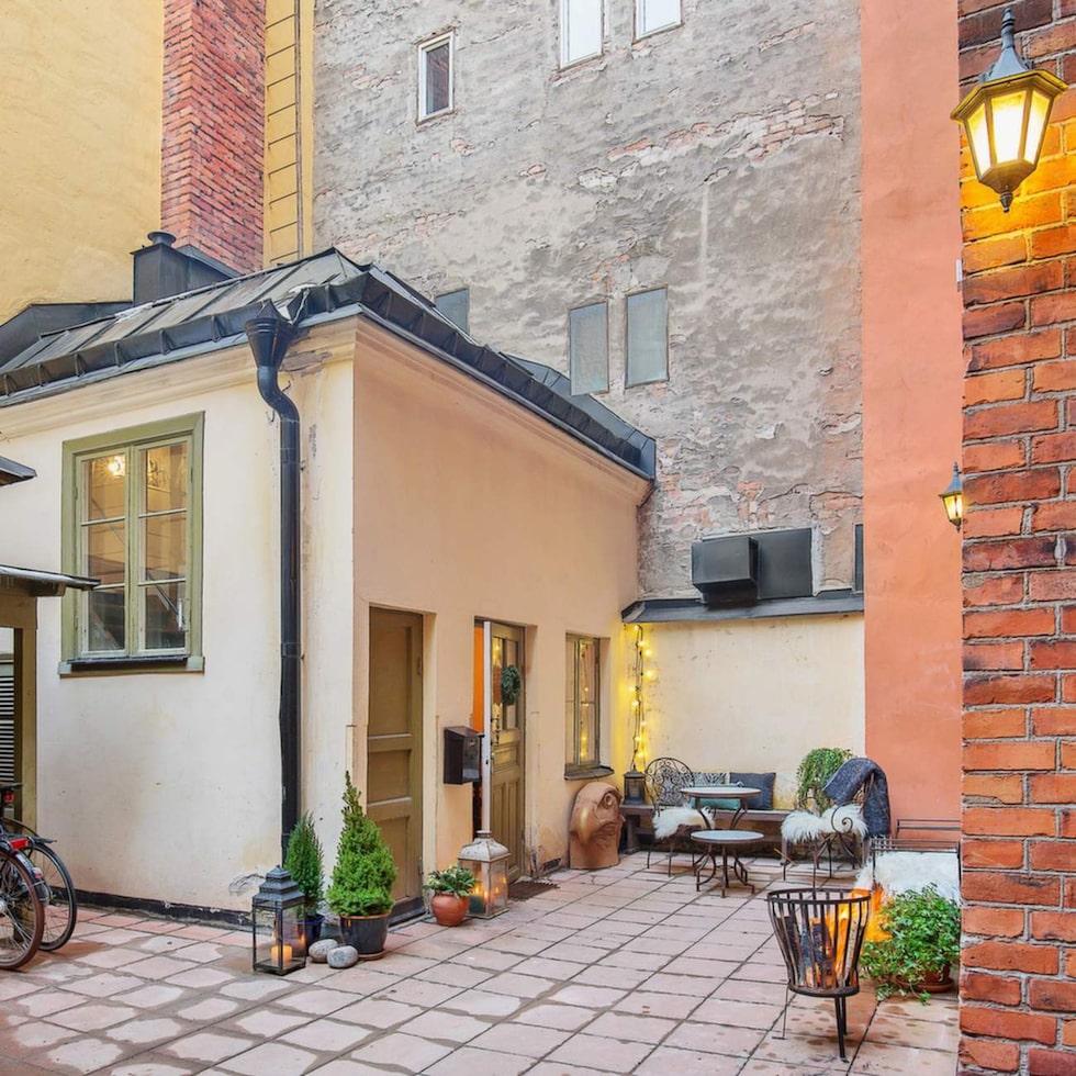 Här är det – minihuset på Kungsholmen i Stockholm. 28 kvadratmeter litet är huset, och kostar nästsn 2,5 miljoner kronor.