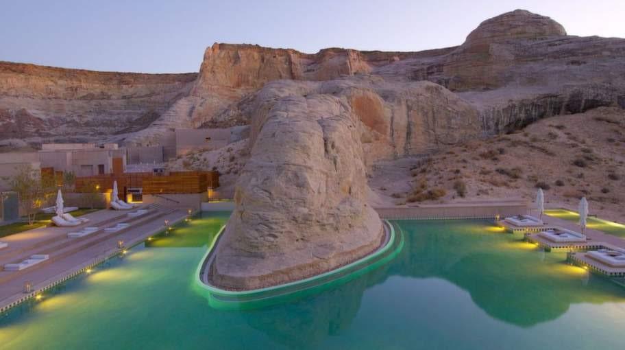 Amangiri, Utah, USA. På syskonhotellet i södra Utah hittar du denna säregna pool. Poolen är i sig en skönhet men utsikten är minst lika spektakulär.