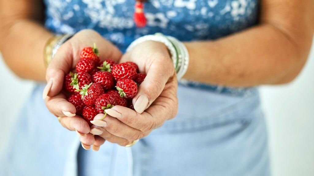 Ät gott men med sunt förnuft. Det är experternas råd för hur du ska kunna hålla vikten.