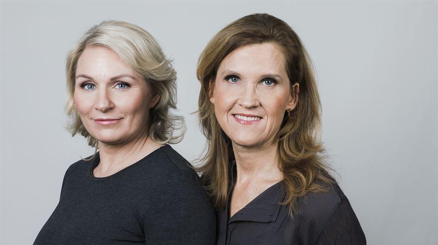 """Tillsammans med barnmorskan Emma Karling Widsell (t.v.) har Carolina Tristen (t.h.) skrivit boken """"Ditt fertila liv""""."""