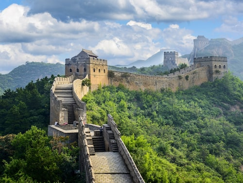 Kinesiska muren är historiens största byggnadsverk.