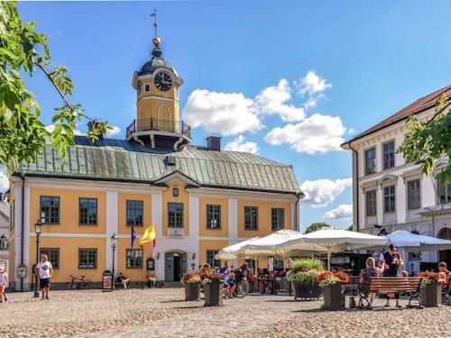 Söderköping har en lång historia som kurort och handelsstad.