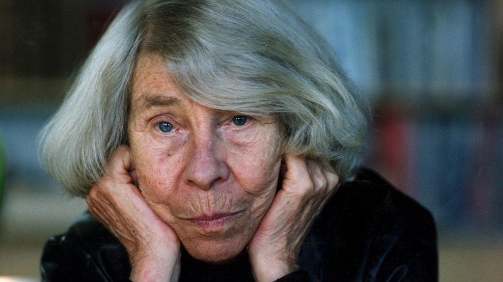 Författaren Tove Jansson gick bort den 7 juni 2001 men hennes älskade Mumin-figurer lever kvar och sprider glädje världen över.