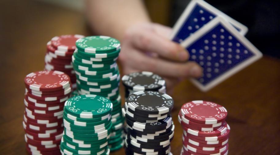 Kvinnor som spelar ensamma riskerar att tappa kontrollen över sitt spelande.