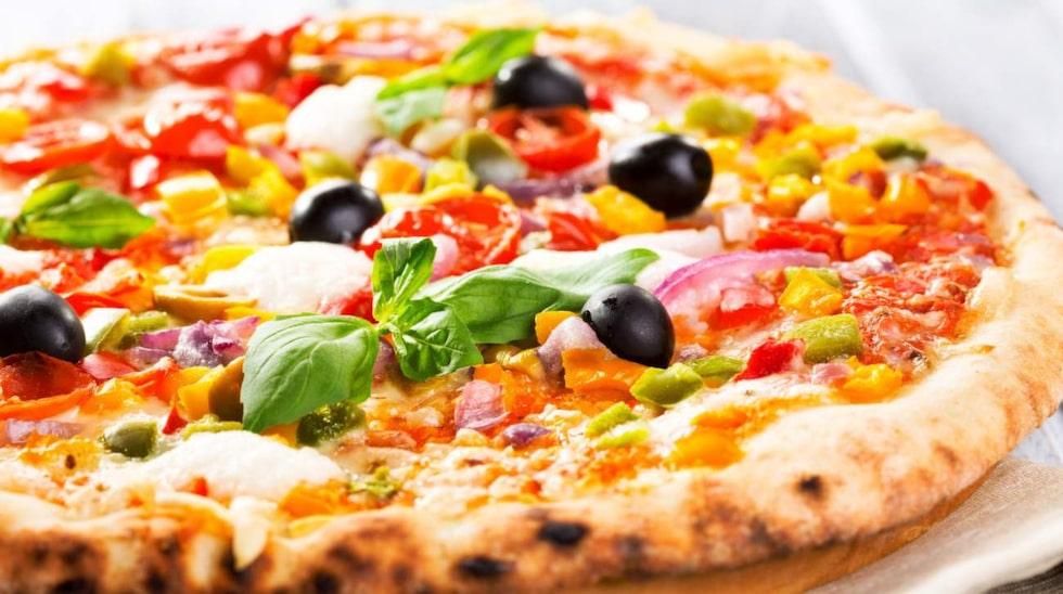 """En """"ny"""" sorts mozzarellaost med betydligt lägre fetthalt men med samma smältegenskaper som en fetare variant har tagits fram."""
