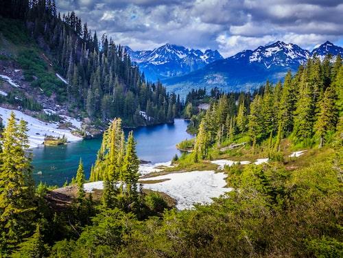Glaciärerna som gett nationalparken sitt namn blir allt lägre.