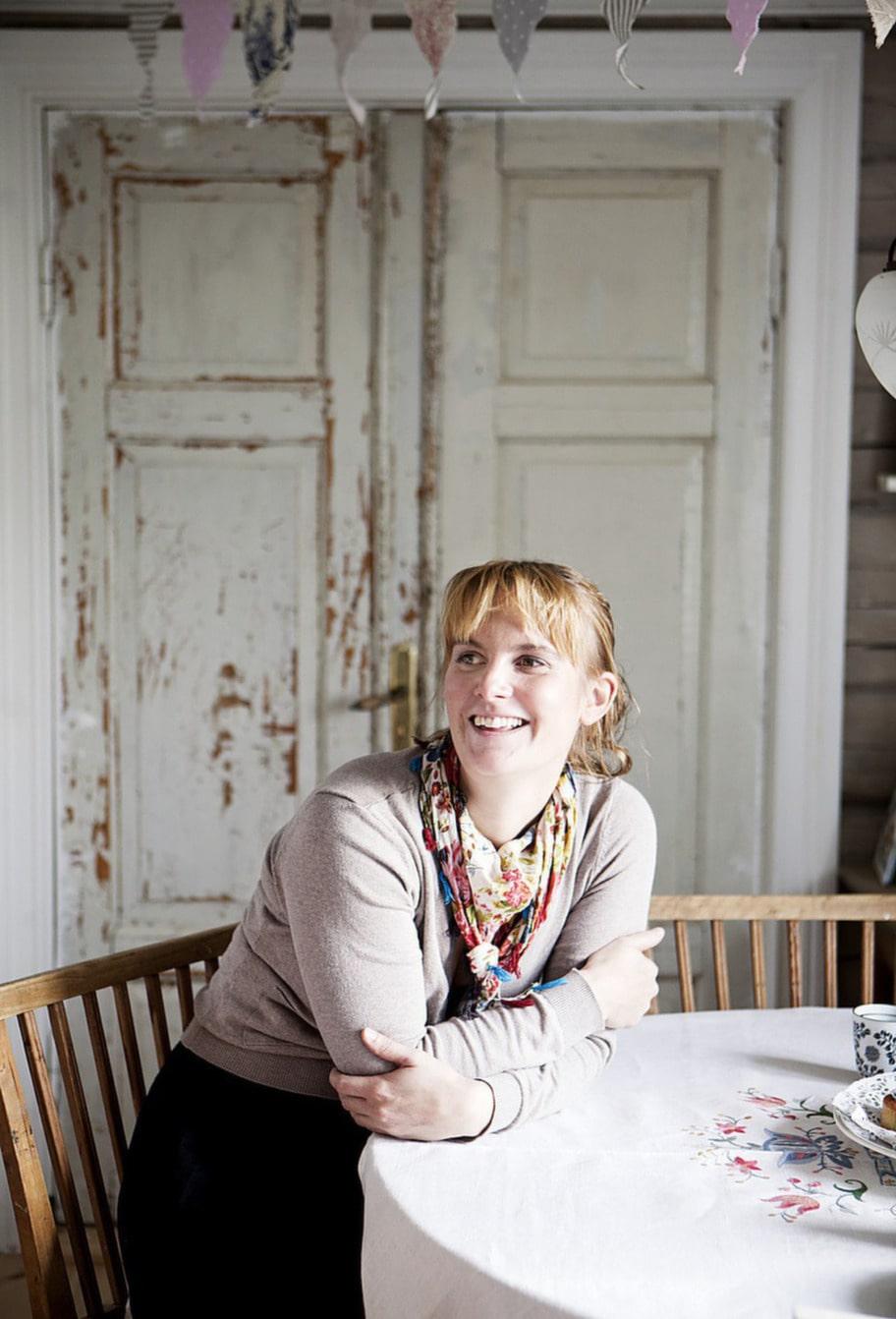 Jenny i sitt charmiga kök.