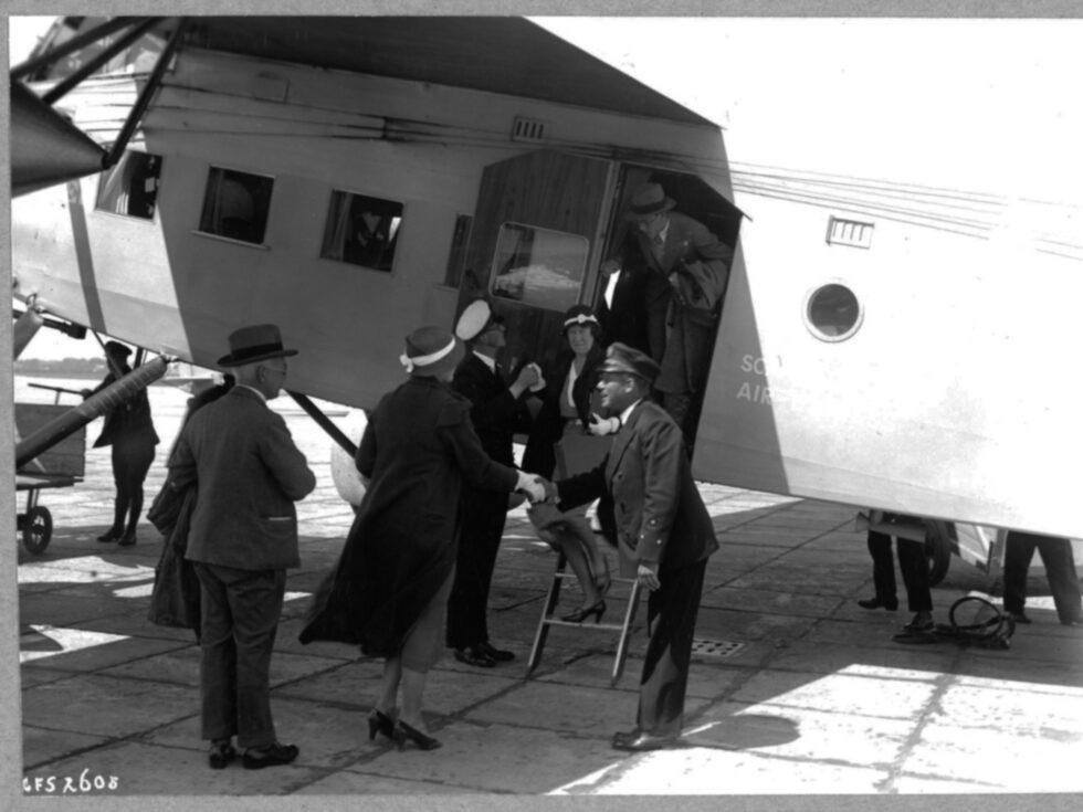 Skulle du resa från Schiphol flygplats till Stockholm år 1936 så tog resan cirka fem timmar mer än vad den gör i dag.