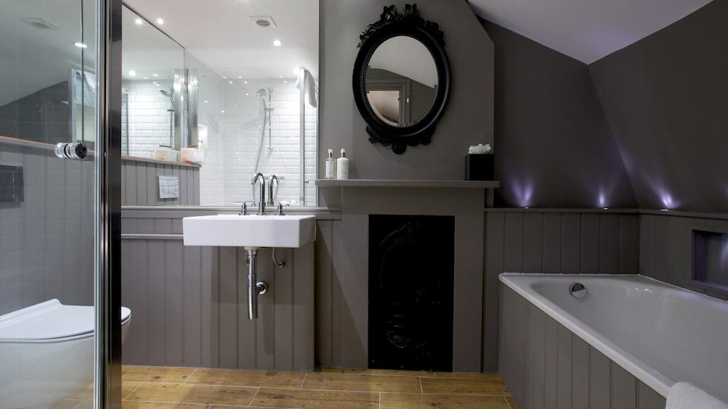 Fräscht badrum på Georgian House Hotel i London.
