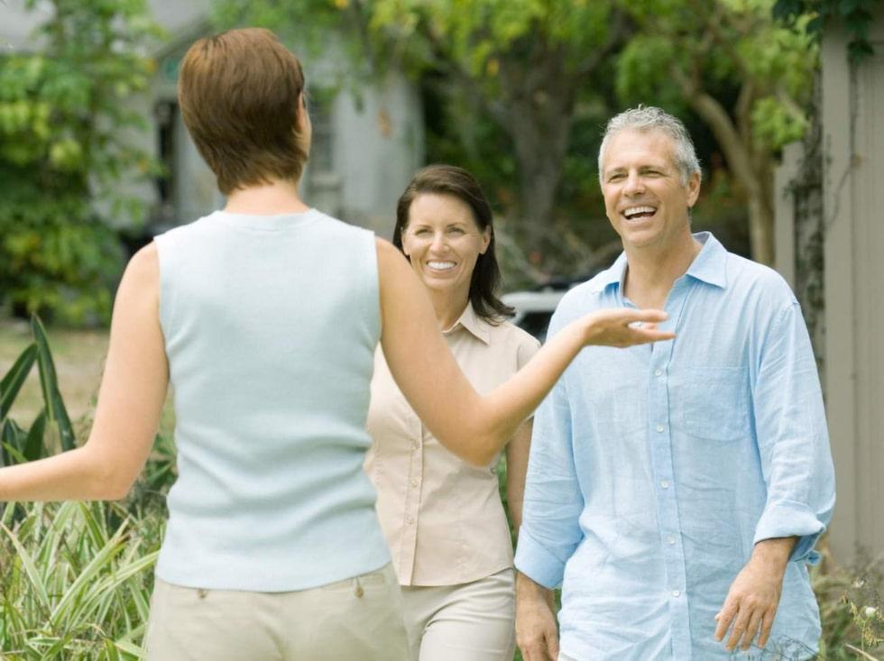 Trevliga grannar är viktigt för att trivas där man bor. Men det händer att vi blir avundsjuka på dem.