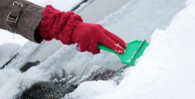 KYLAN STÄLLER TILL DET. Vinterrusta bilen och slipp problem med frusna lås och urladdat batteri.