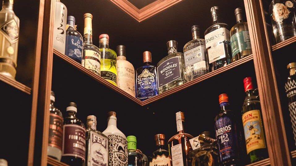 Själklart finns här även en butik – som säljer gin.