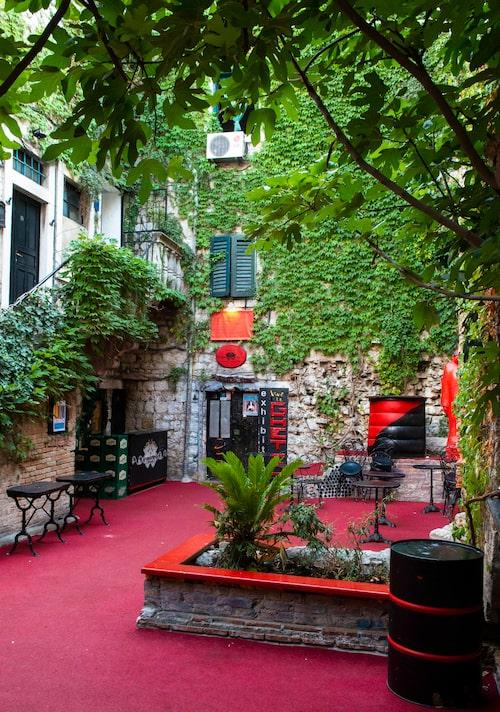 I den gamla stadsdelen i Split finns många trevliga kaféer, barer och restauranger.