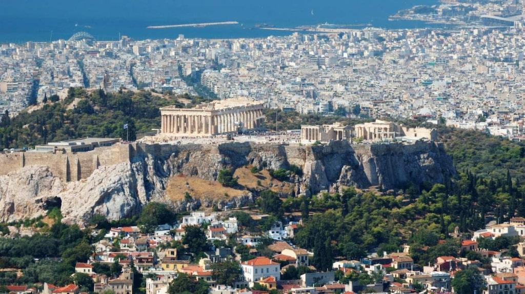 Upptäck Greklands huvudstad Aten i prinsens fotspår.