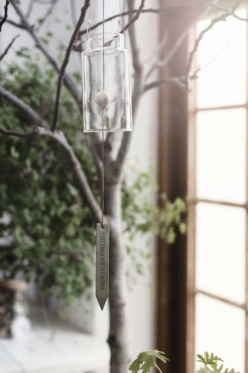 Ernst Kirchsteigers nya vårkollektion för hemmet. Vindspel 349 kronor.