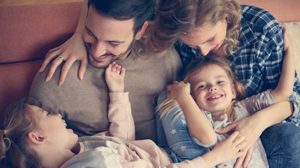 Är hela familjen hemma på obestämd tid? Då är det viktigt att hålla fast vid rutinerna.