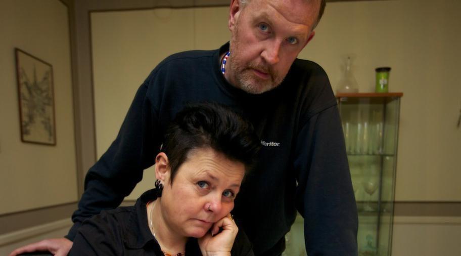 Veronica och Kent Andersson kunde knappt lämna hotellet under de två veckor som de vistades på ön.