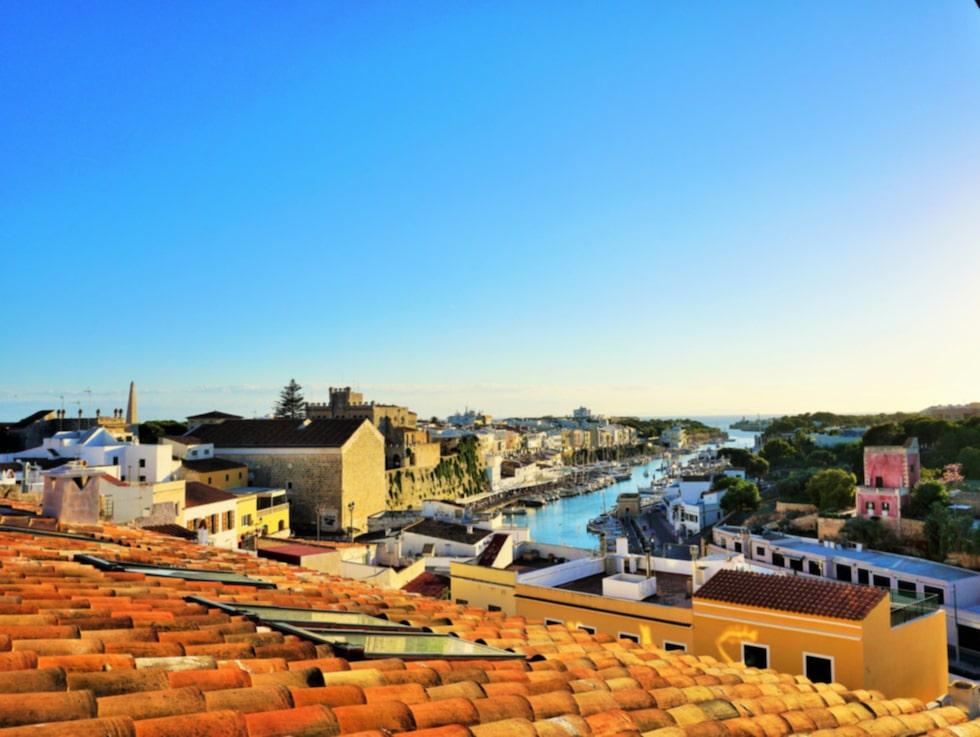 Lugnet, grönskan och smakerna är det som gör Menorca så speciellt.