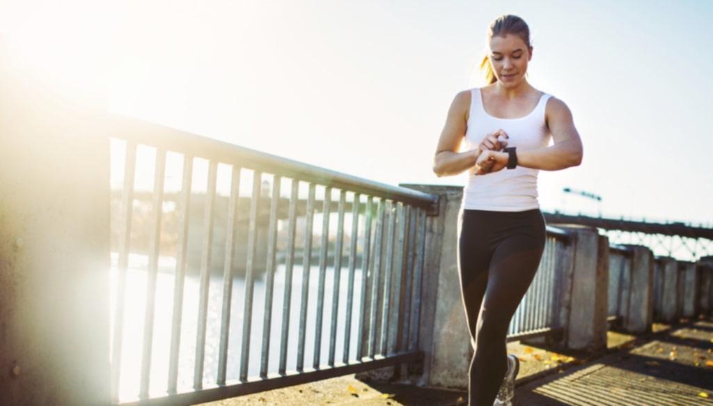 Med mobilen, aktivitetsarmband eller en klassisk stegräknare kan du se så att du rör på dig tillräckligt mycket.