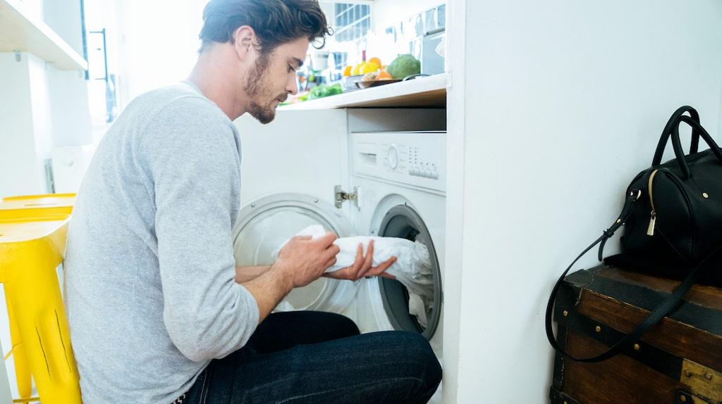 Handen på hjärtat, hur ofta tvättar du dina sänglakan egentligen? Och i vilken temperatur?