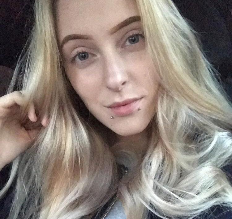 18-åriga Isabelle Härtull har förvandlat 70-talsbadrummet att bli en modern dröm.