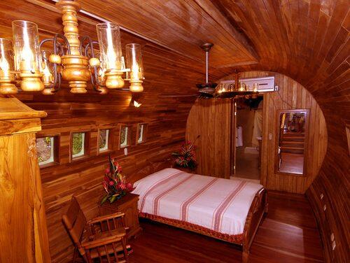 Hem för en hobbit? Nej, bara kabinen på en ombyggd 727:a.