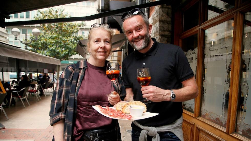 Elisabeth Hansen och Erik Sadler från Basque Experiences guidar till stans bästa pintxos.