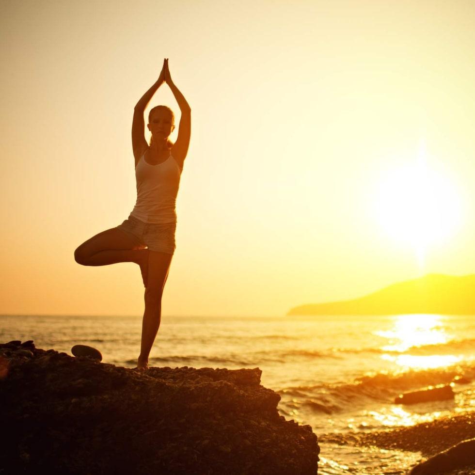 Yoga kan vara väldigt lugnande. Men mannen på flyget blev föga hjälpt.