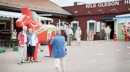 Dalahästen är den vanligaste souveniren som turister köper när de besöker Sverige.