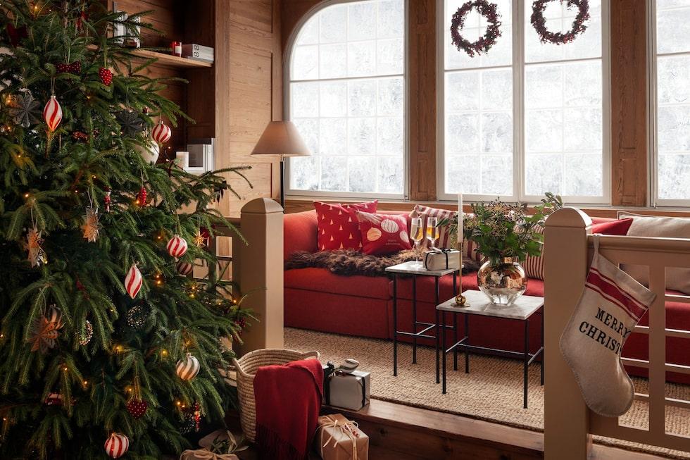 Gammaldags klassisk jul i rött, grönt och vitt.