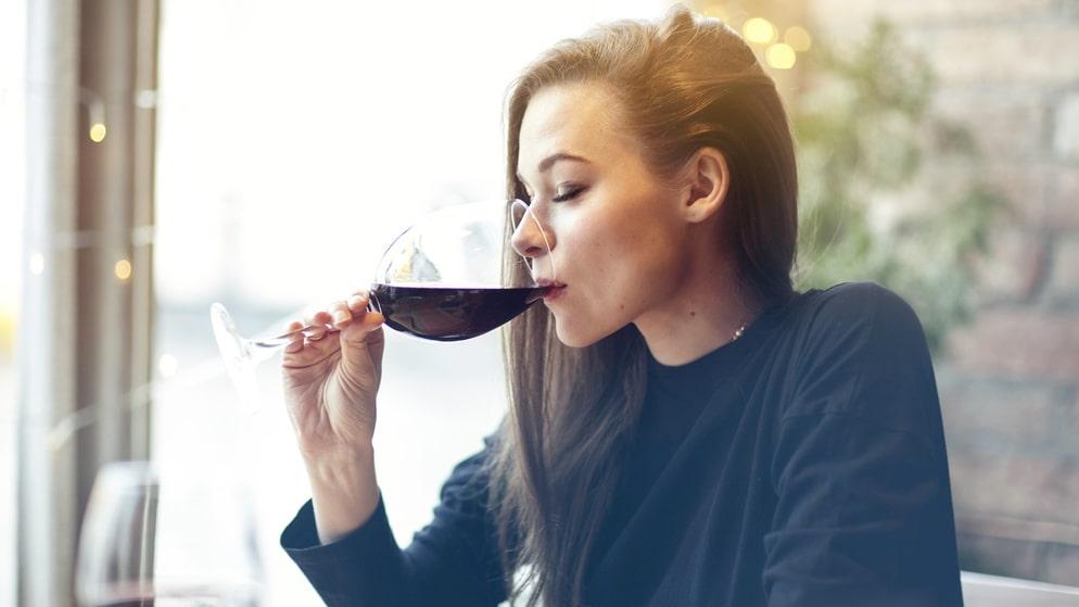 Smakar dyrt vin bättre? Ja, enligt vår hjärna.
